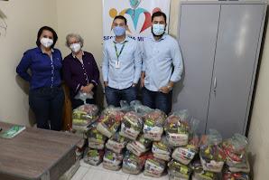 Banco Sicoob do Vale faz doação de alimentos para o município de Jussara